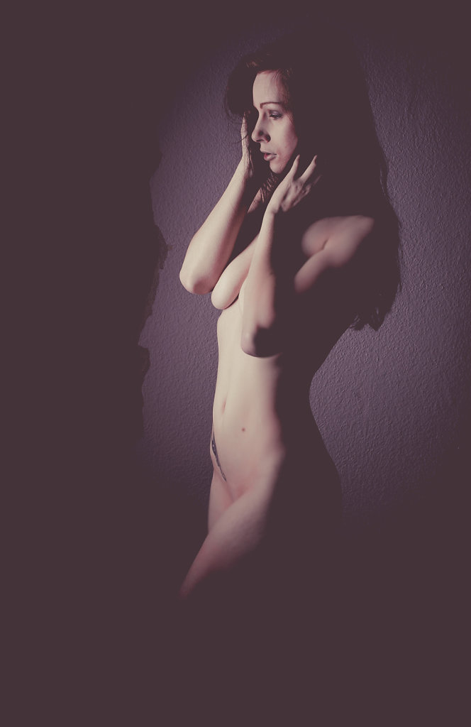 Nude with Strip-Light